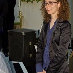 Cerignola Parrocchia SantAntonio concerto Note di Fede del coro Il Gabbiano con Gianluigi Gorgoglione x