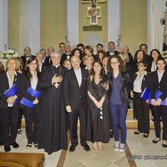 Cerignola Parrocchia SantAntonio concerto Note di Fede del coro Il Gabbiano con Gianluigi Gorgoglione