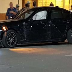 BMW nera distrutta