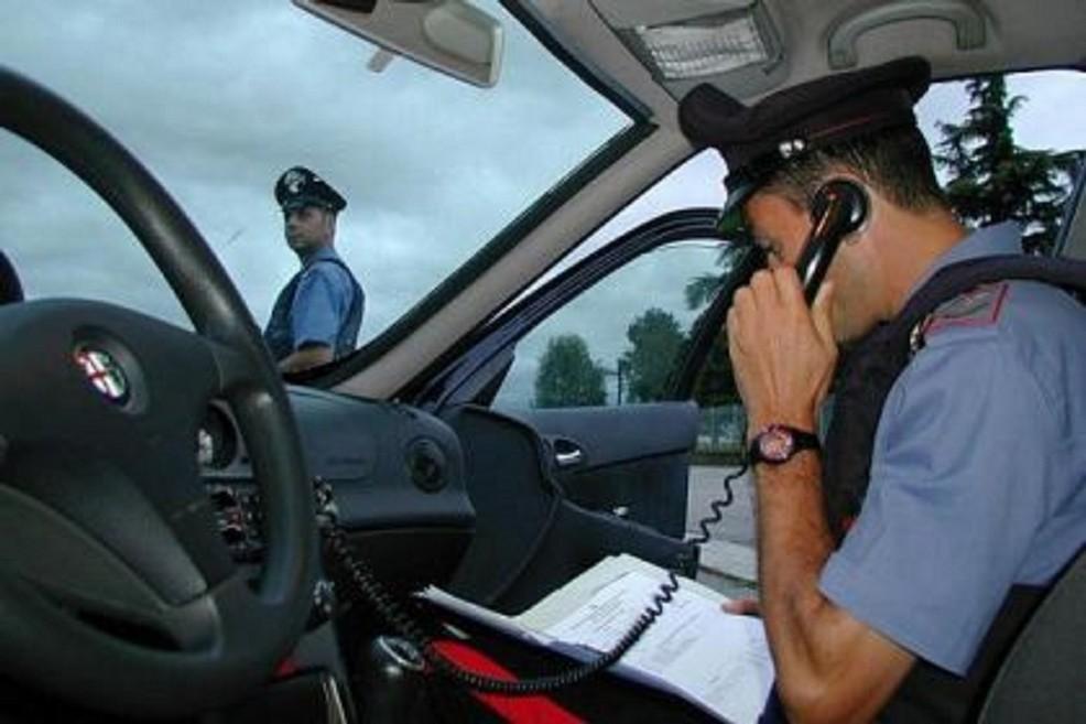 Servizio controllo zone rurali. I Carabinieri arrestano 5 persone per furto di olive.