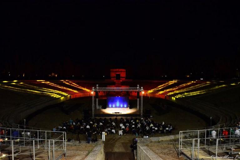 Anfiteatro di Lucera di sera