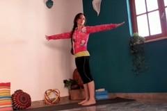 Alessandra Leone: Pratica yoga per la parte dorsale