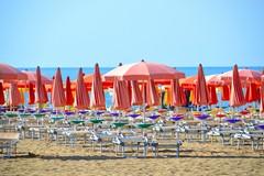 Addio affollamento in spiaggia, postazioni di 10 metri quadri
