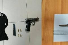 Armi e droga, un arresto e una denuncia dei Carabinieri