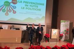 """""""La prevenzione in tutte le politiche"""": superare gli steccati  tra prevenzione primaria, diagnosi, cura e riabilitazione"""