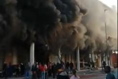 Palazzo Lelli in fiamme
