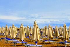 Spiagge libere accessibili da lunedì 25 maggio, lidi attrezzati dal 1 luglio
