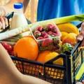 I beneficiari dei buoni spesa non potranno avere pacchi di alimenti