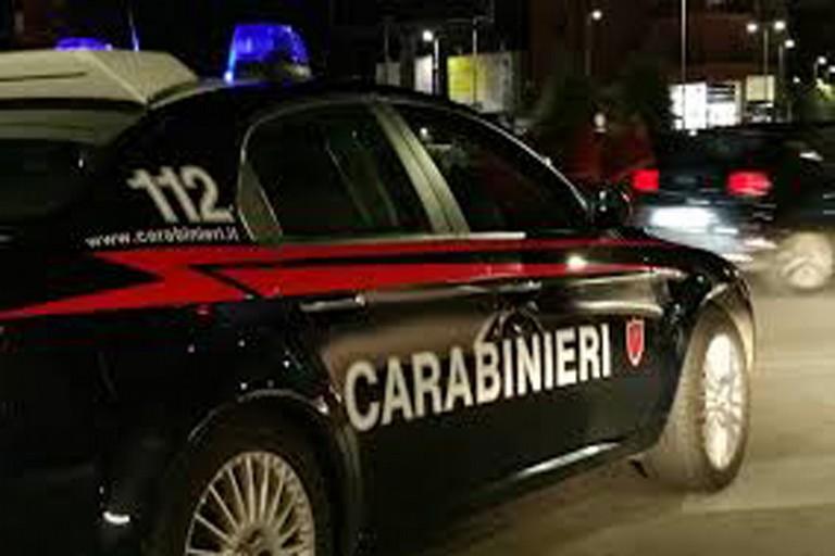 Evasione e ricettazione di auto rubata sull'asse Cerignola - Trinitapoli.