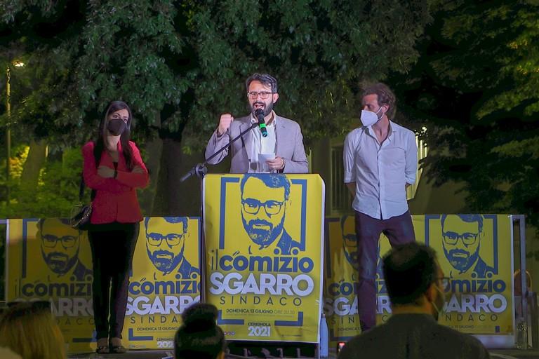 Tommaso Sgarro durante il comizio. <span>Foto Vito Monopoli</span>