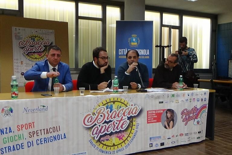 """""""A Braccia Aperte"""", il grande evento di Cerignola. Sabato 21  e Domenica 22 aprile -VIDEO E FOTO-"""