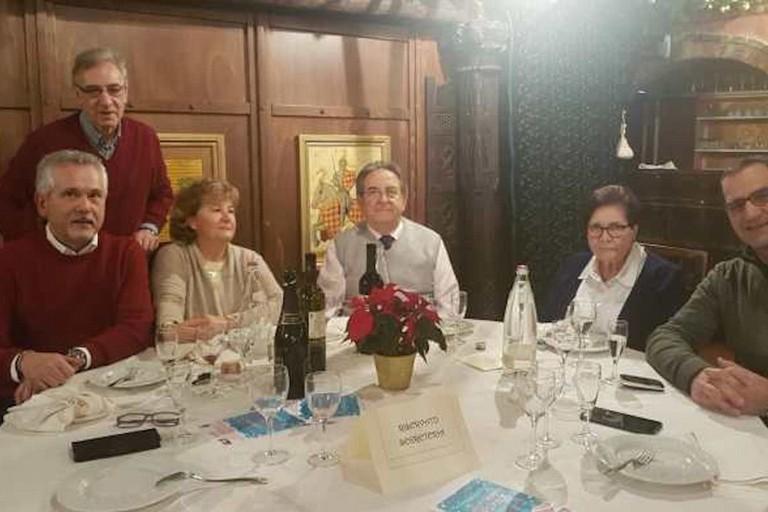 Gioacchino Paparella durante i festeggiamenti di Natale 2019 con l'AUSER. <span>Foto Damiano Carsenzuola su liberastampa.net</span>
