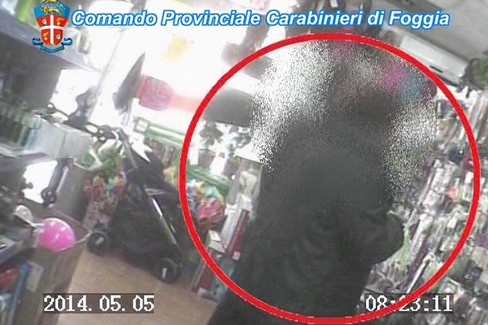 Assenteismo, arrestati 13 dipendenti del comune di Foggia