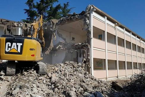 Lavori di demolizione e ricostruzione Scuola elementare G. Di Vittorio.