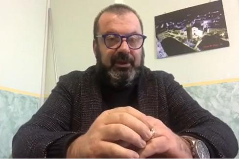 Rocco Calamita, Sindaco di Stornara, parla alla cittadinanza