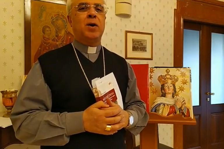 Mons. renna e la Madonna dell'Immacolata