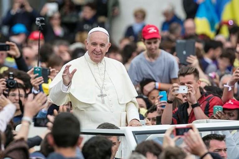 Papa e giovani