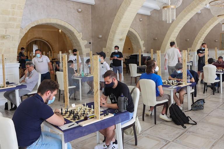 Sfidanti durante il torneo regionale di scacchi a Cerignola. <span>Foto Vito Monopoli</span>