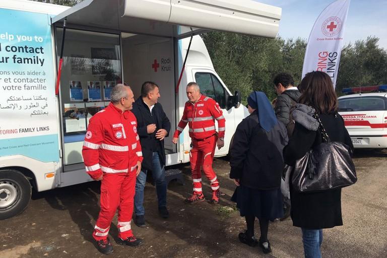 """Pezzano: """"Tracing Bus"""" a Tre Titoli, forte momento di solidarietà"""""""